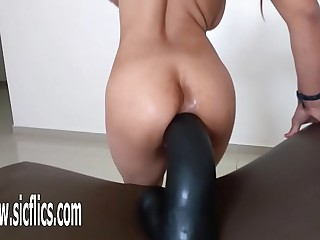 Outstanding dildo wrecks her greedy botheration