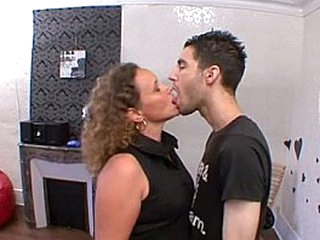 Getting fucked by a stranger without being able to resist! French amateur
