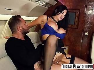 Milf fucked in airplane