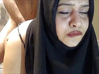 Плачущий анал! В жопу трахают хиджабскую жену! bit.ly/bigass2627